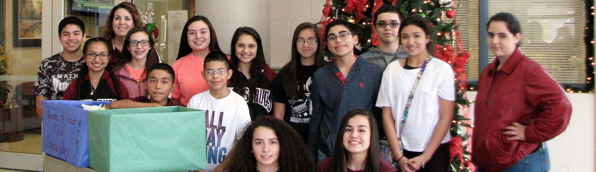 Mathis Middle School Student Council Christmas photo